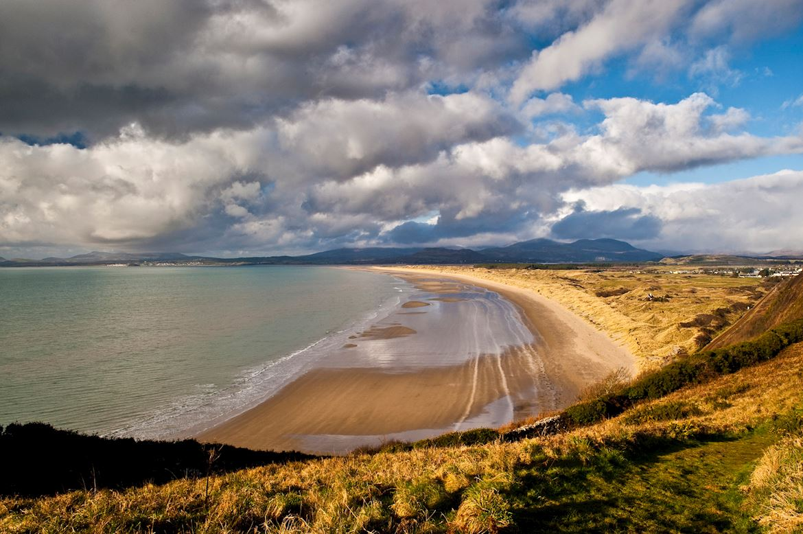 Beach and dunes at Morfa Harlech